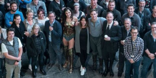 patty-jenkins-shares Wonder Woman-wrap-photo-with-gal_gadot