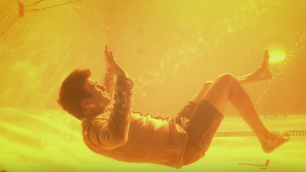 legion-photo-dan-stevens-as-david-haller-in-yellow-water-fluid